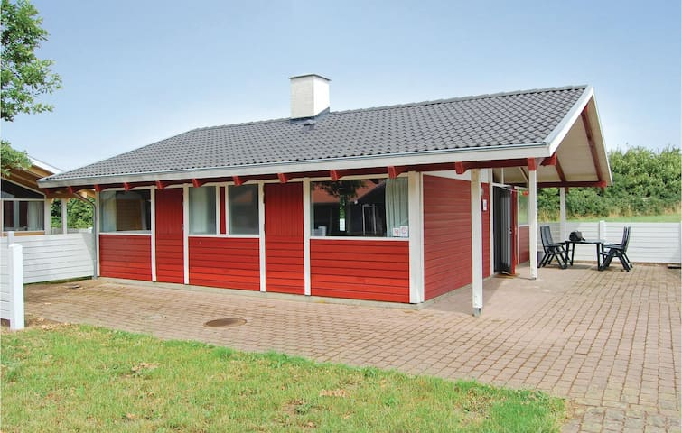 Holiday cottage with 2 bedrooms on 67m² in Aabenraa