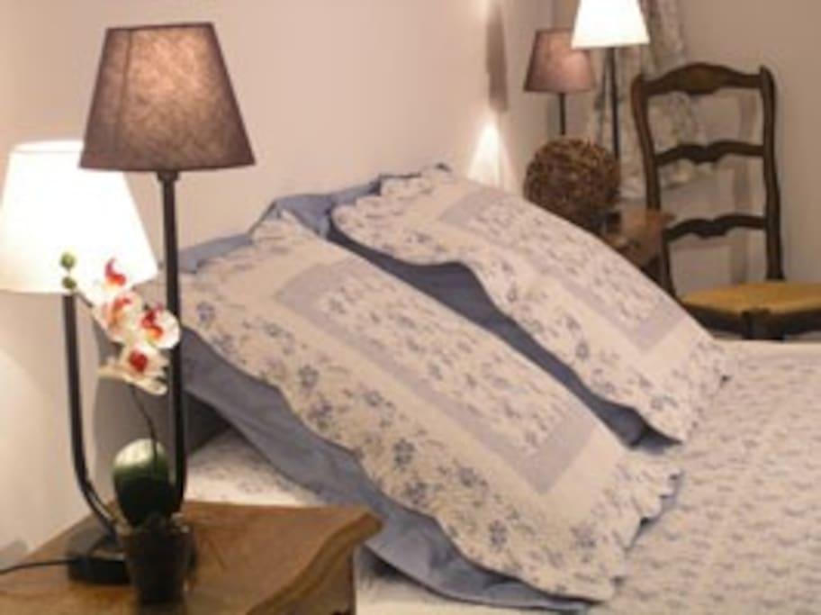 Chambre d 39 h te top aix les milles bed breakfasts for for Chambre d hote aix