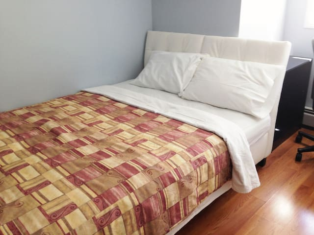 3 min to stampede - private bedroom - Calgary - Apartemen