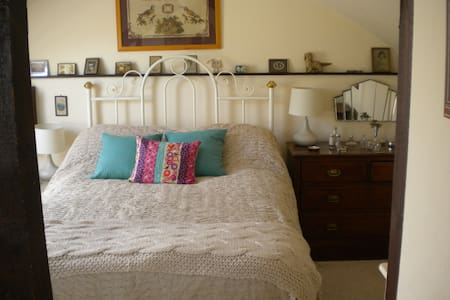 Attic room in just outside Dartington Totnes