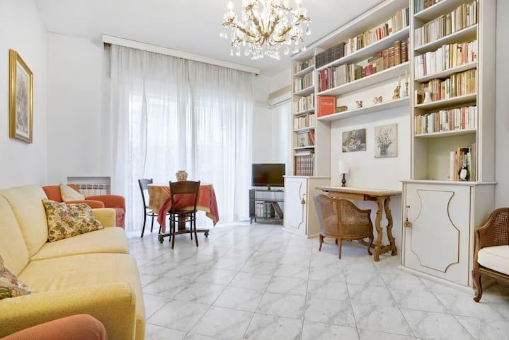 Flat Albisola near station&beach - Albisola Superiore - Apartamento