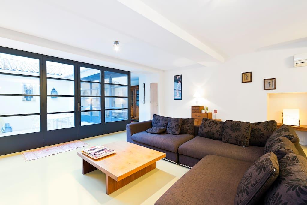 luxueux appartement centre avignon appartements louer. Black Bedroom Furniture Sets. Home Design Ideas