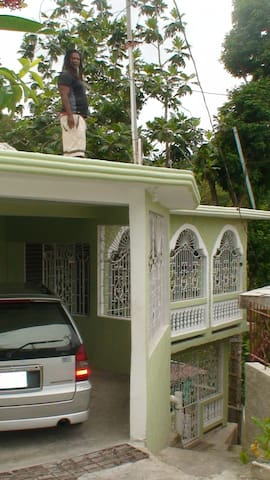 JAH BILLY'S IRIE ITES GUESTHOUSE #2 - Montego Bay