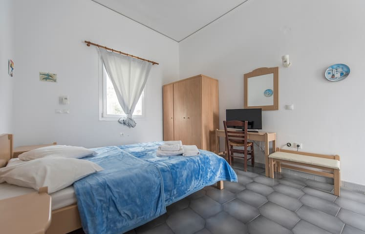 Studio in Perissa for 2 person - Santorini - Apartment