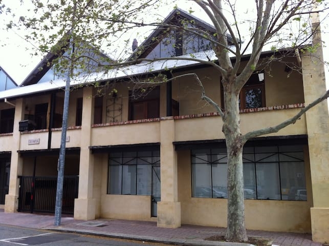 Central Fremantle City Location