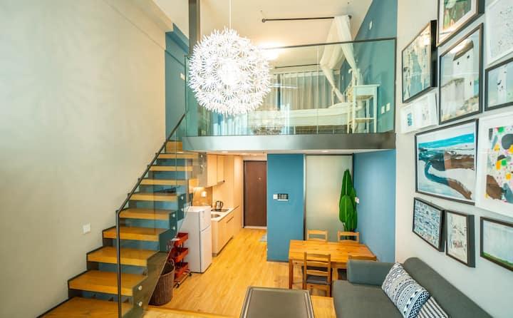 【下单七折暖气开放】青岛金茂湾购物中心复式海景公寓双床四人间