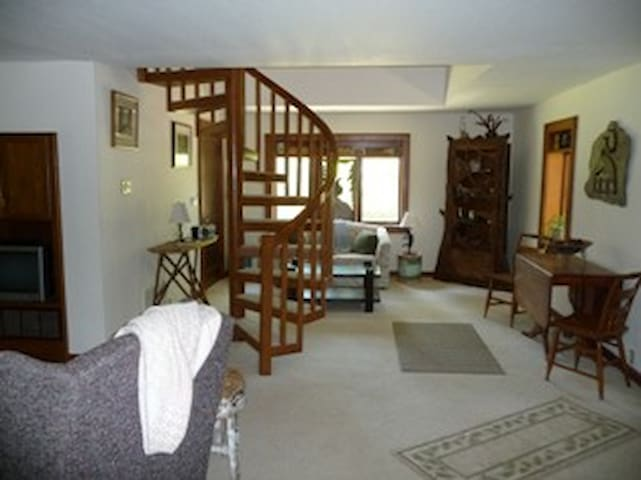 The Outdoors Inn - Marion - Bed & Breakfast