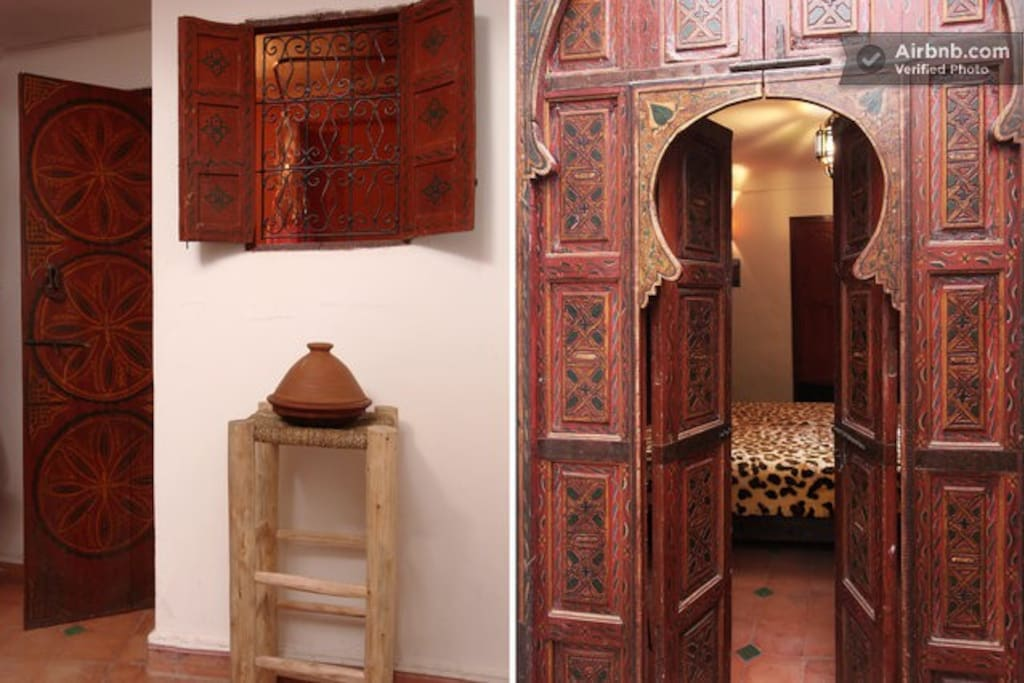 The entrance and another moroccan door.