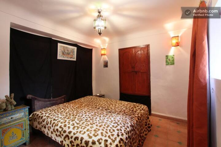 Solo Traveller Haven in Cute House in Old Medina2