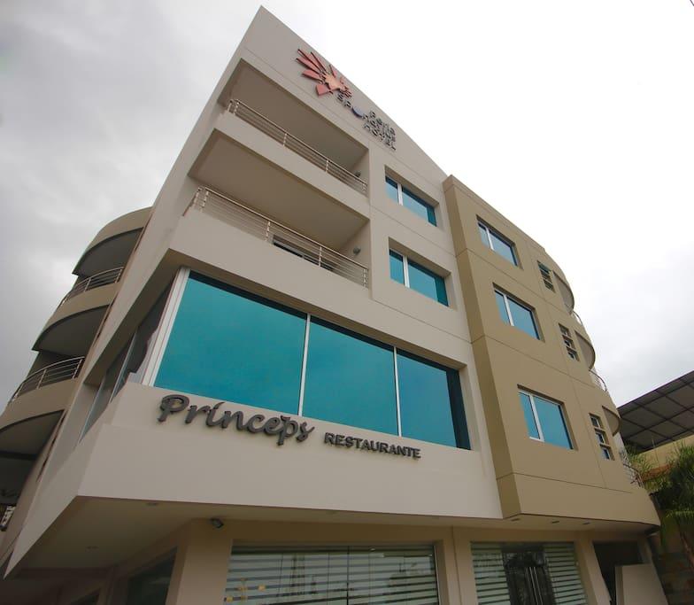 Fachada Hotel Perla Spondylus