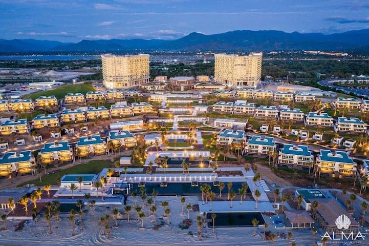 Apartment for 5 pers at 5 star resort in Nha Trang