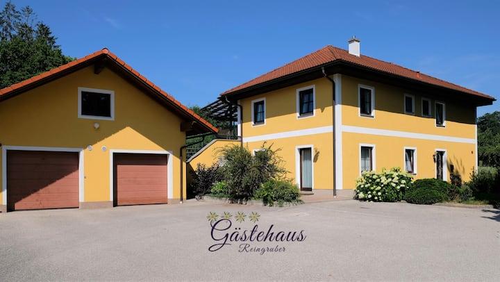 Gartenwohnung - wohnen wie zu Hause