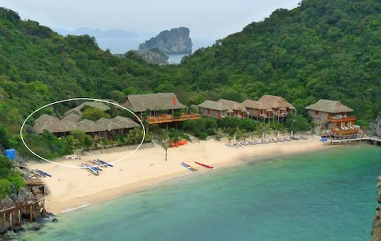 Seaview Villa at Monkey island - Ha Long - Villa