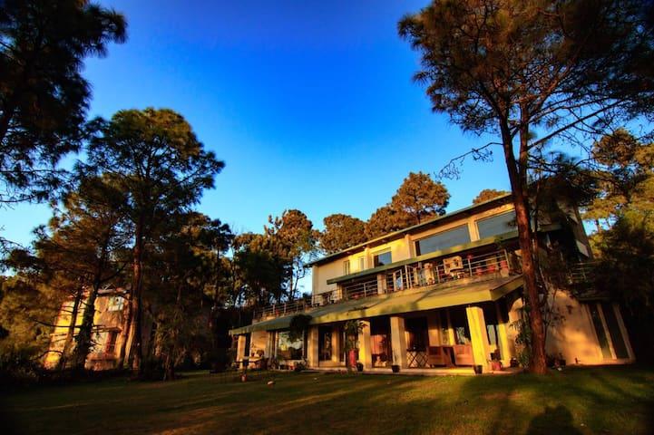 5 Bed Room Villa with Panaromic View & BF - Solan - Villa