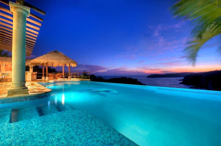 Oceanfront Villas, Las Palmas, Huatulco Beach