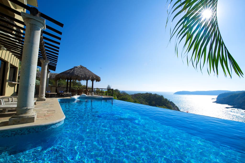Private Oceanfront Infinity Pool