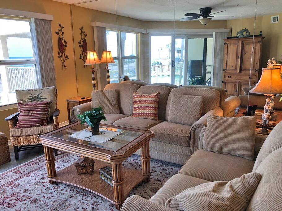 Living Room - Queen Sleeper