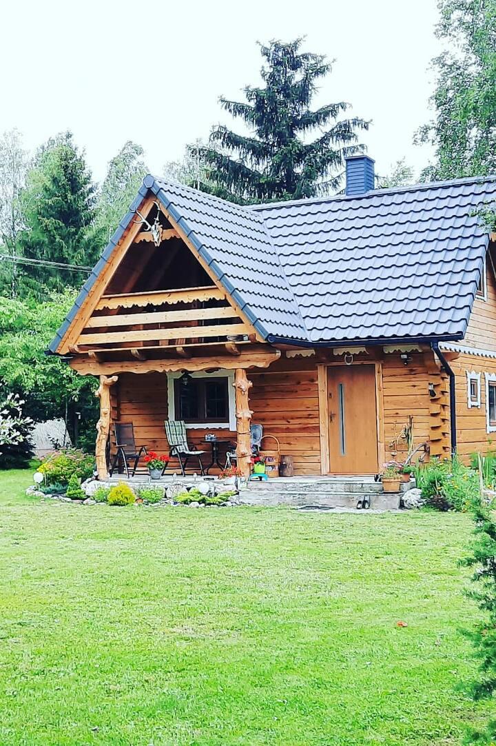 Domek na Mazurach, malowniczy domek z bala