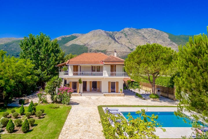 Villa Agricola with private swimming pool