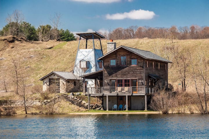 Lakefront Rural Cabin On Private Lake Community