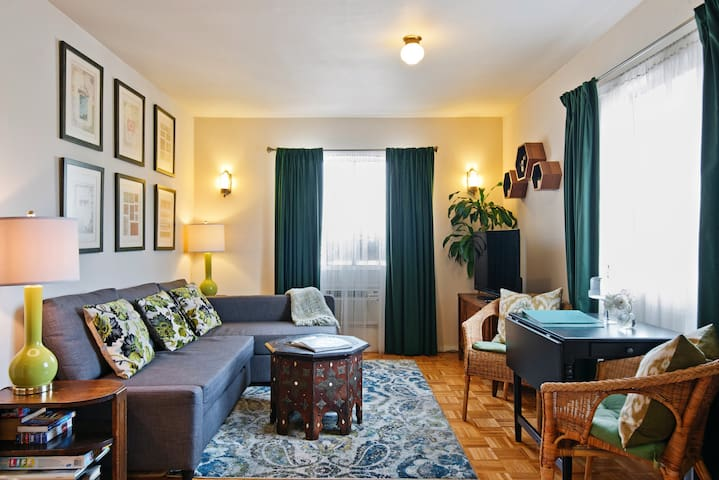Vintage Hollywood Apartment Close to Melrose