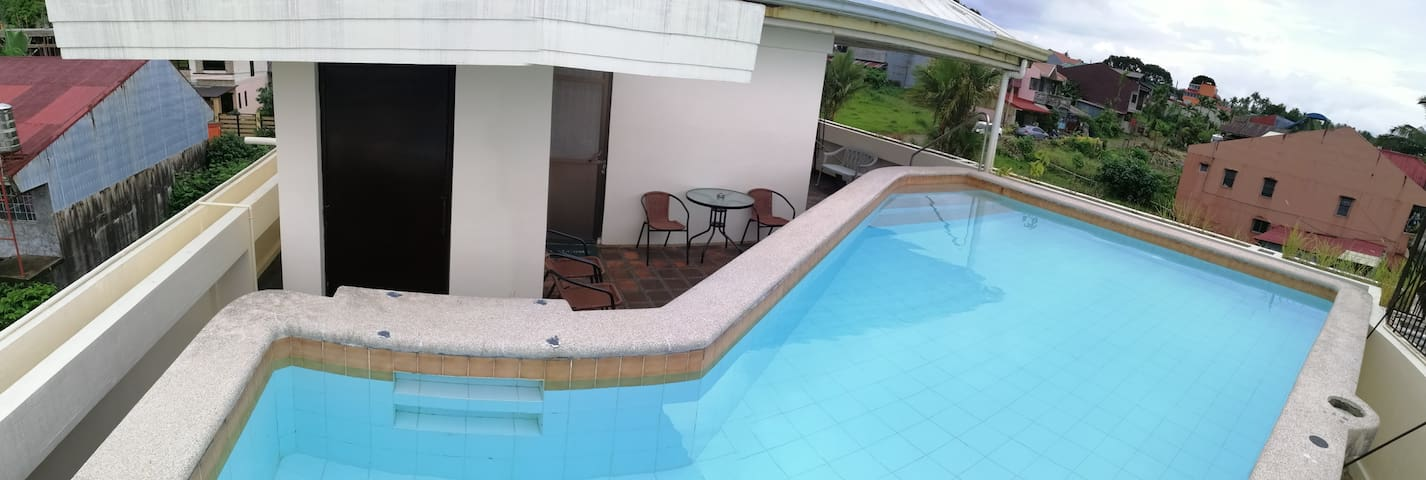 Private pool overlooking Lucban! Karaoke+Bbq+WiFi