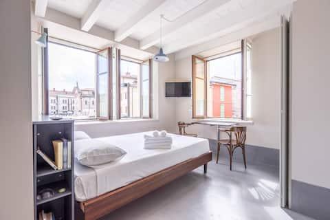 City centre studio Piazza Savoia