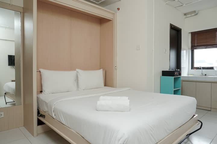 Comfortable and Homey Studio Apt at Kebagusan City