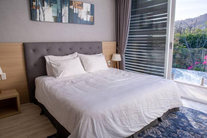 [Oceanami] 1-Double BR - Airy Space + Luxury Villa