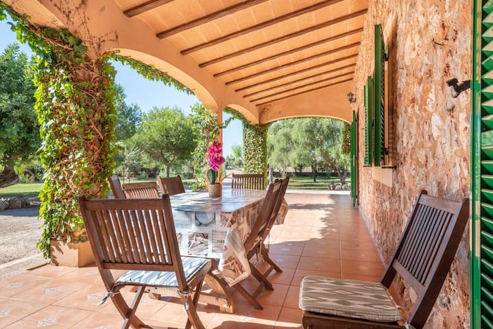 Cosy Holiday Home Els Girasols with Pool, Fireplace, Terrace & Wi-Fi; Parking Available
