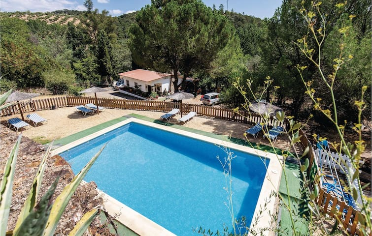 Holiday cottage with 5 bedrooms on 160m² in La Nava