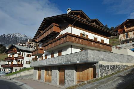 Casa Gallo Cedrone - Piatta