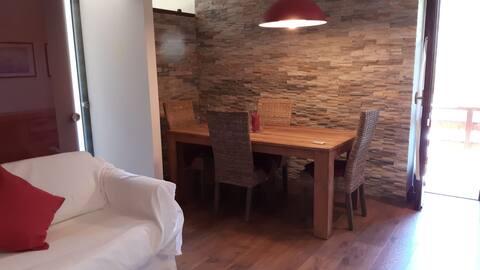 Appartamento esposto su tre lati in centro a Oulx