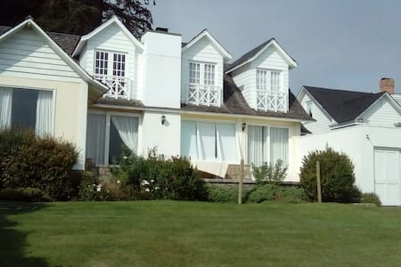 Astonishing House - Great View - 2 ChimneysWifi