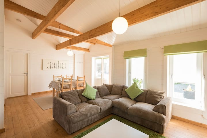 Contemporary log cabin near sandy beaches - Kilkhampton - Cabana