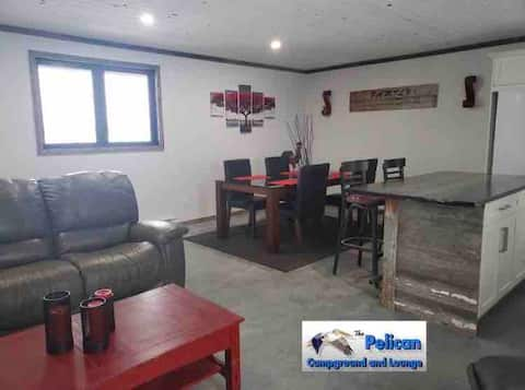 Pelican Lounge #2 - Lakefront Rental