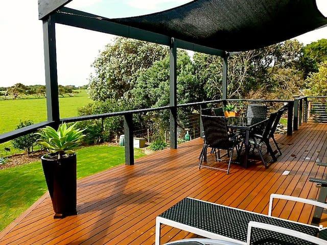 Luxury Sandy Beach House ~ Slice of Paradise