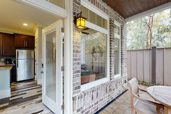 Dog-friendly home w/private gas grill, second-floor deck & sunroom w/lake views