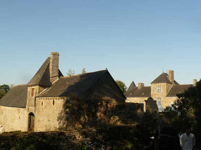 17th century old French Castle - Poilley