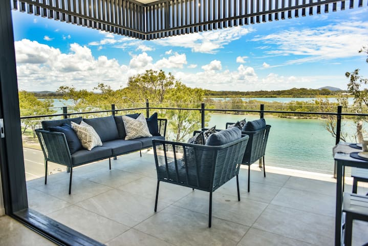 Ultimate Luxury Maroochydore River Penthouse VUE
