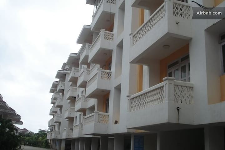 Building View (Apartment located on 3rd floor)