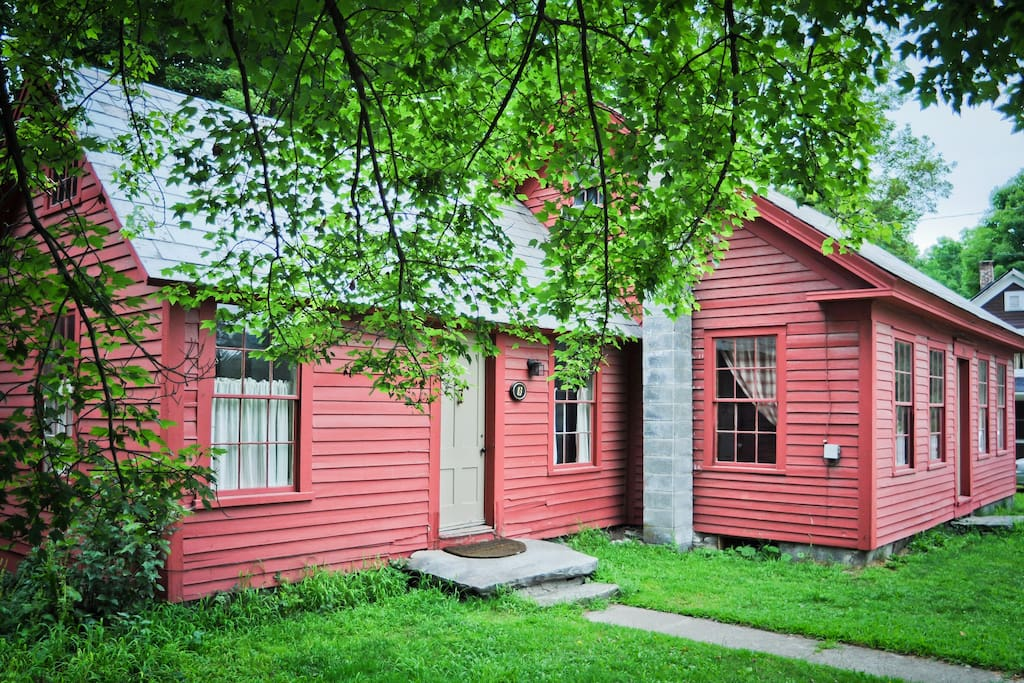 1850 S Vt Farmhouse On The River Houses For Rent In