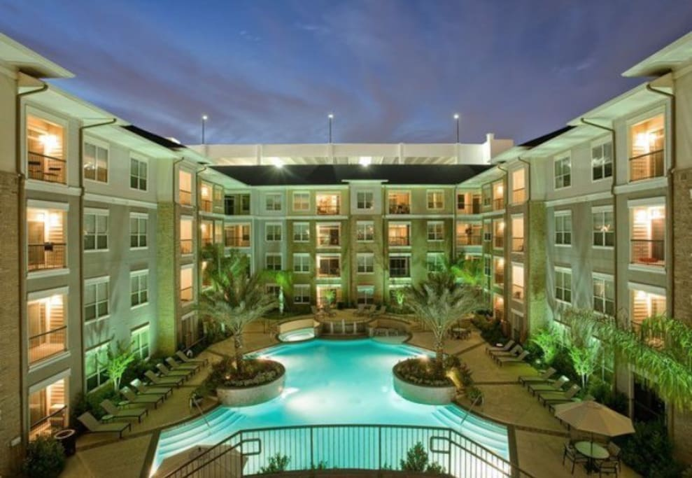 Modern Midrise In Houston 39 S Medical Center Apartments For Rent In Houston Texas United States