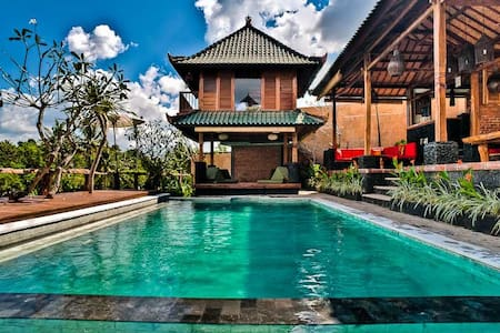 Bungalow on the ricefield - Kuta