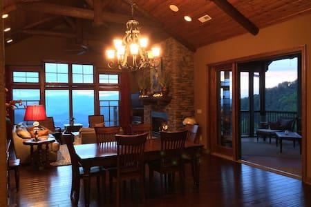 Beautiful, luxury mountain condo - Burnsville