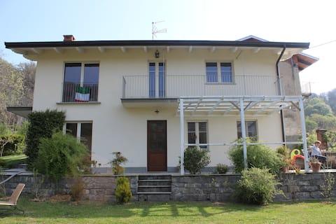 Tra Cucco e Monticchio c'è la casa del picchio.