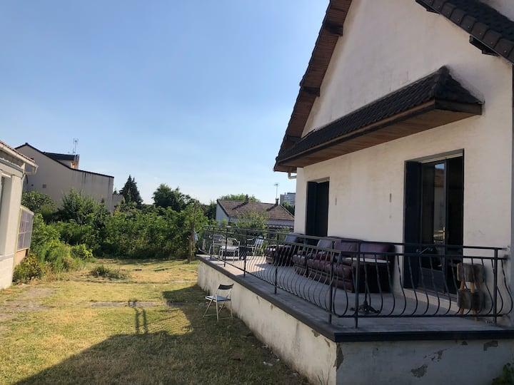 Villa Paris 4