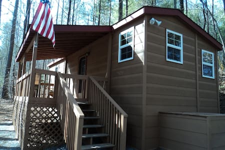 Our Tiny Cabin - Ellijay - Hus