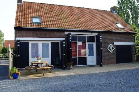 4 p. vakantiehuis in Sint Kruis Zeeuws Vlaanderen - Sint Kruis - Talo