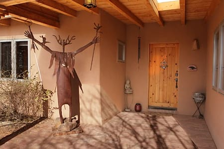 Mountain Views-Private Room in Home - Santa Fe
